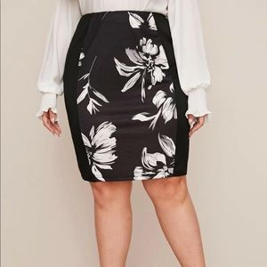 Dresses & Skirts - Plus floral print bodycon skirt - size 16